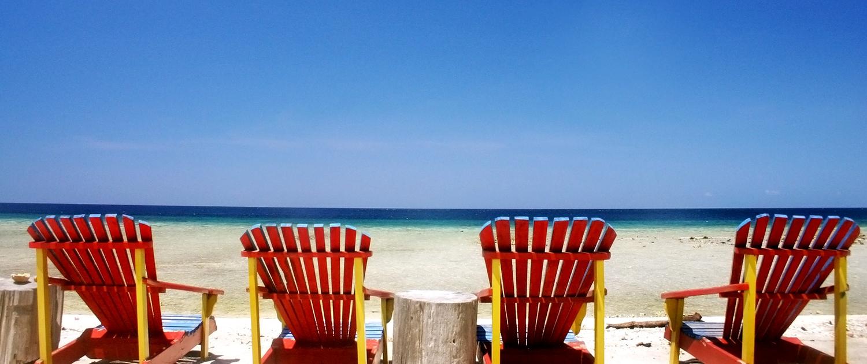Solstole på strand i Alanya