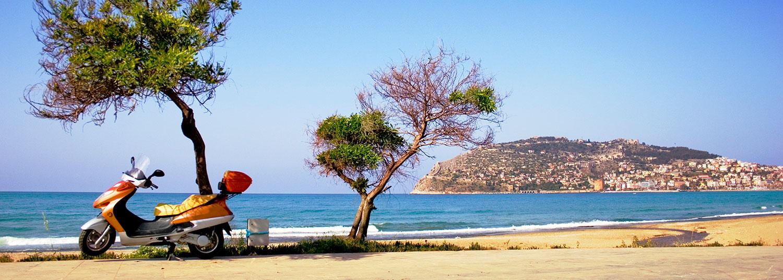 Udsigt fra stranden i Alanya